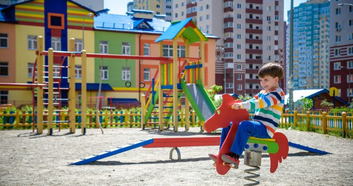 Sprężynowe zabawki polecane na place zabaw
