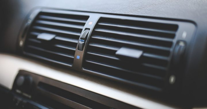 Jak prawidłowo korzystać z klimatyzacji? Jak używać klimatyzacji w samochodzie zimą?