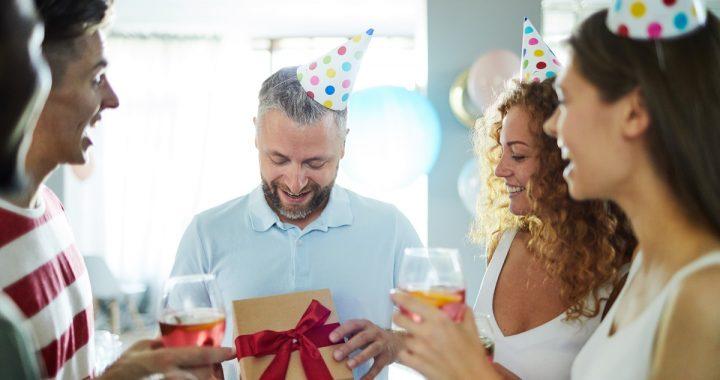 Jak wybrać wyjątkowy prezent na urodziny?